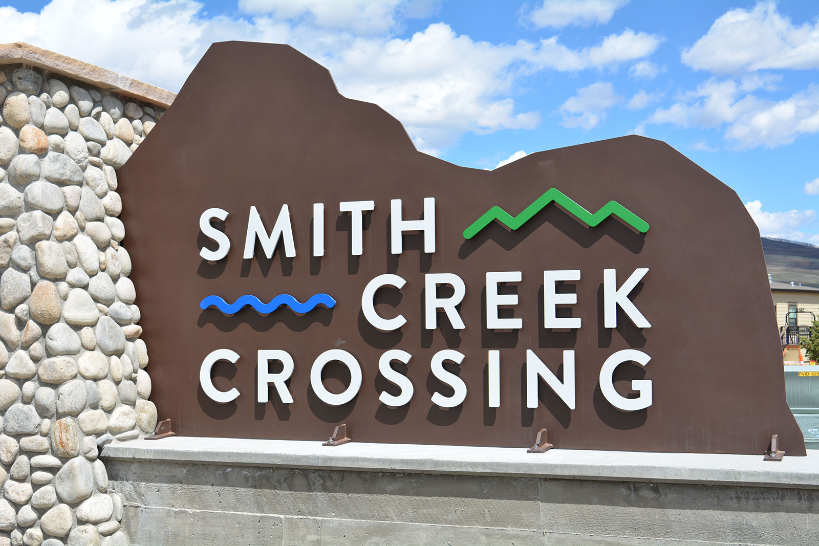 Smith Creek Crossing Entry Sign